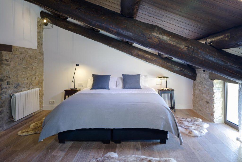 retreat-pyrenees-bed3-forward