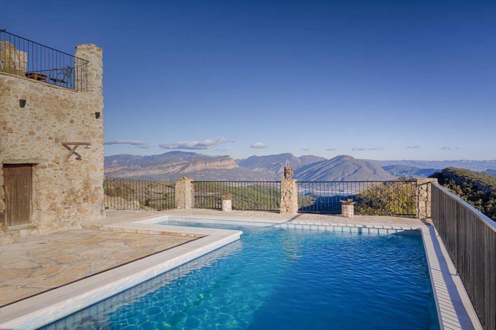 retreat-pyrenees-mountain-view-think-forward