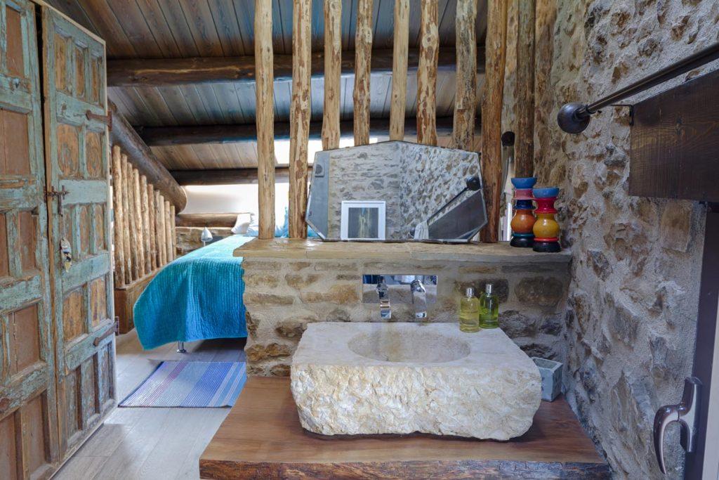 retreat-pyrenees-sink-think-forward