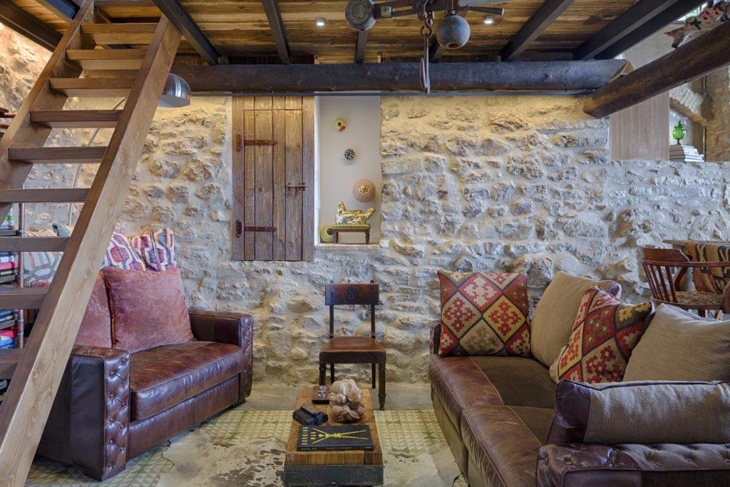 retreat-pyrenees-sitting-room-think-forward